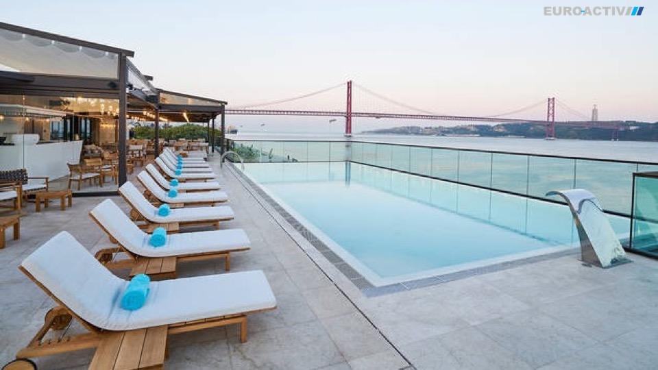 golden visa Ari residence permit citizenship Europe European Portugal Portuguese Lisbon Lisboa beach study autorização residência